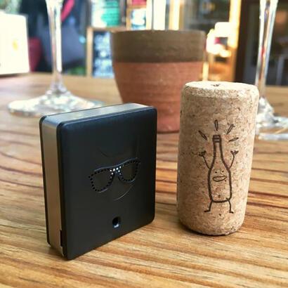 alcocat-alcoholimetro-calibrado-de-bolsillo-para-smartphone-negro
